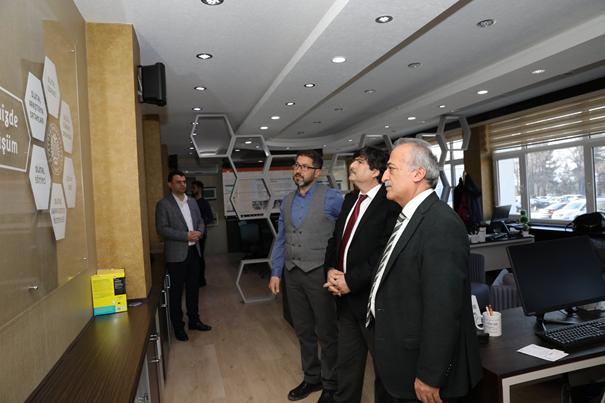 Bitlis Eren Üniversitesi Rektörü Prof. Dr. Erdal Necip Yardım, Atatürk Üniversitesi Rektörü Prof. Dr. Ömer Çomaklı ile Birlikte Ofisimizi ziyaret etti